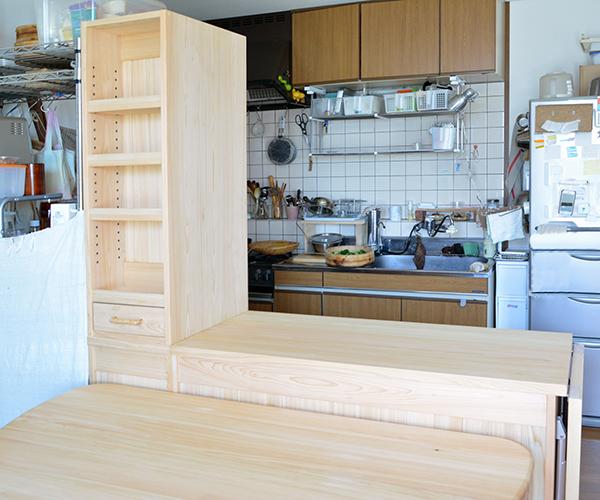 ヒノキ無垢 カウンター食器棚3