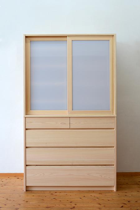 檜無垢 引き戸食器棚1